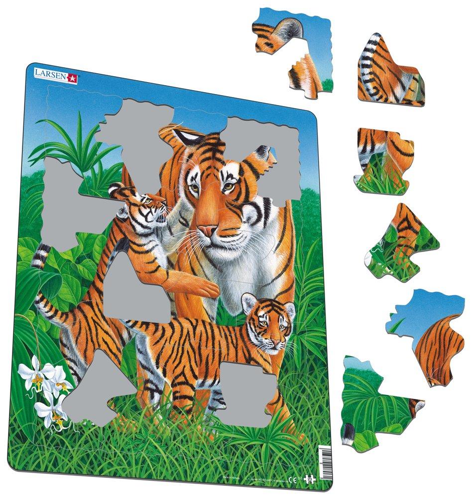 Zvieratá exotické – Tigre, tigrica a tigríčatá sa spolu hrajú v tráve – Obrázkové puzzle