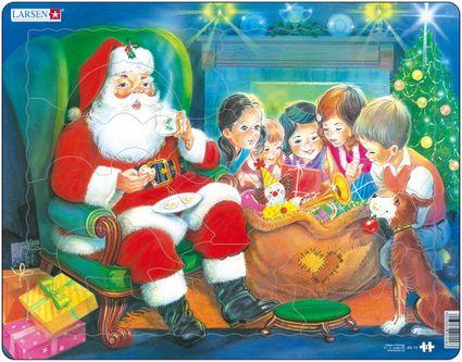 Mikuláš ( Santa Claus ) sedí v kresle, okolo sú vianočné darčeky, detské hračky a deti pri stole – Obrázkové puzzle